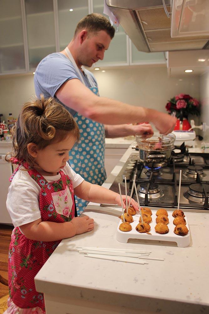 14_CakePops www.cherryandme.com