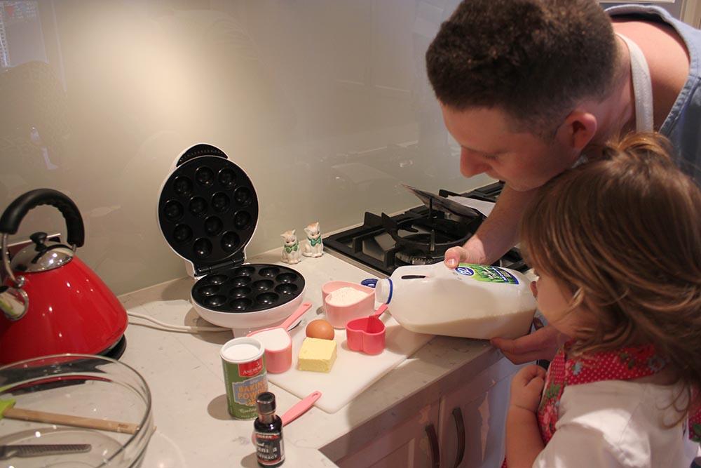 4_CakePops www.cherryandme.com