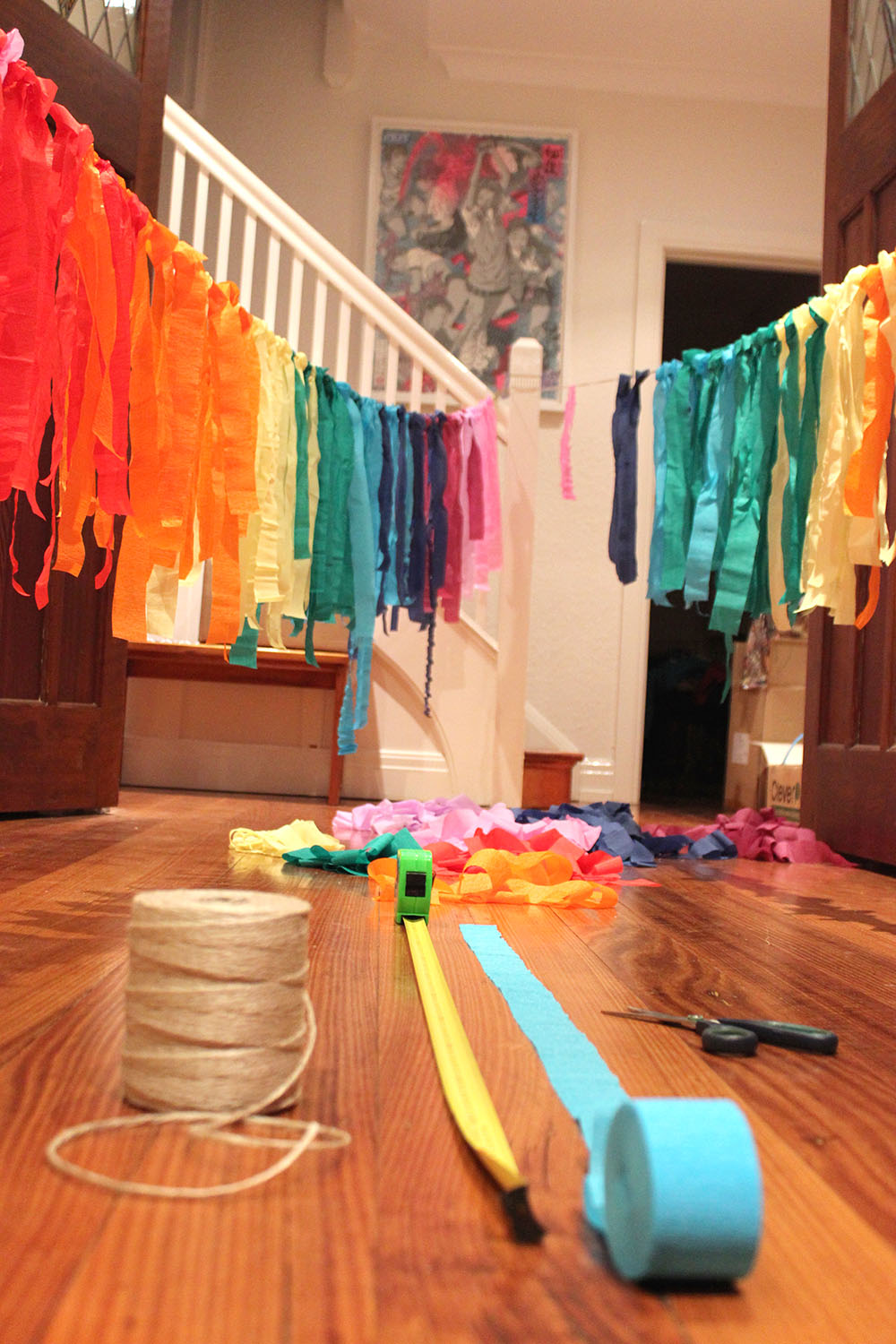 How to make a rainbow streamer garland for Craft party long island