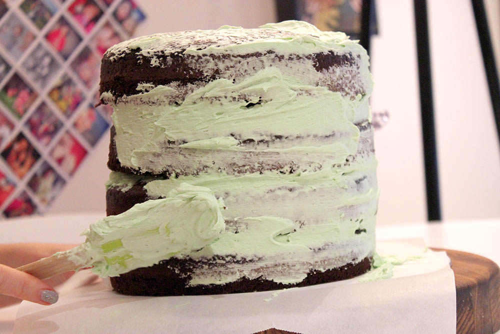 Chco-Mint Surprise Layer Cake www.cherryandme.com