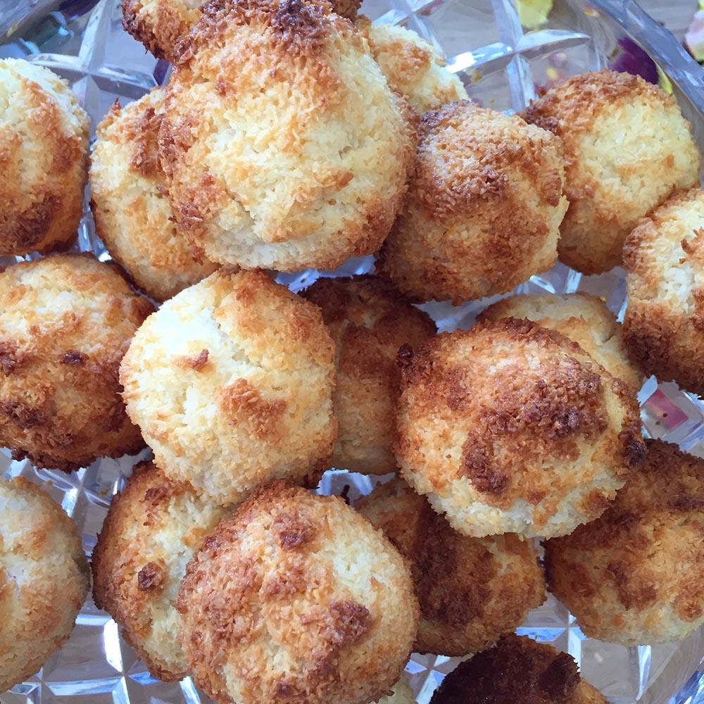 Coconut Macaroons www.cherryandme.com
